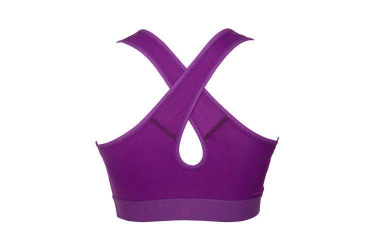 抗震減壓運動內衣擁有美背交叉設計,無論是單穿或是搭配露背裝都好看,1,980元。...