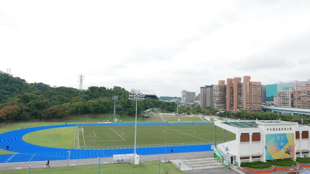 江永昌表示,交通部今核定前瞻停車場,將補助16億元,中和錦和運動公園也在名單中。...