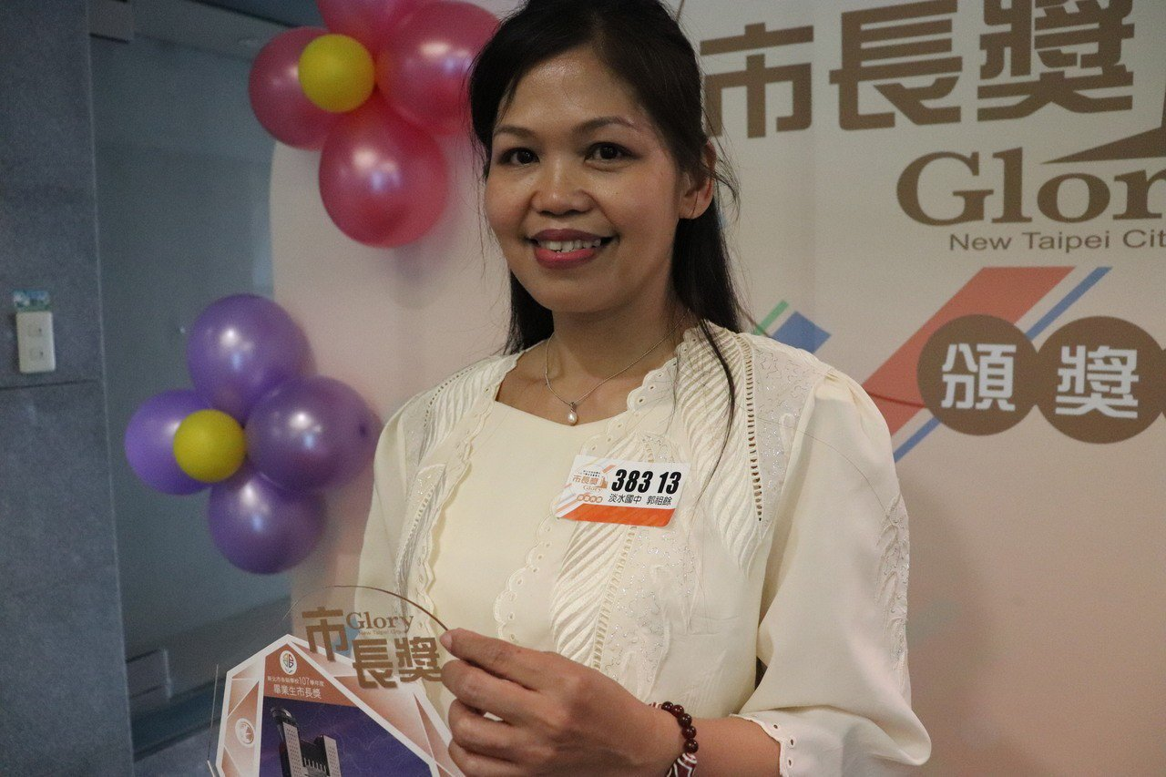 郭祖餘邊打工邊讀書,就為了讓自己能更流利地說中文,她表示會繼續讀高中,並希望高中...