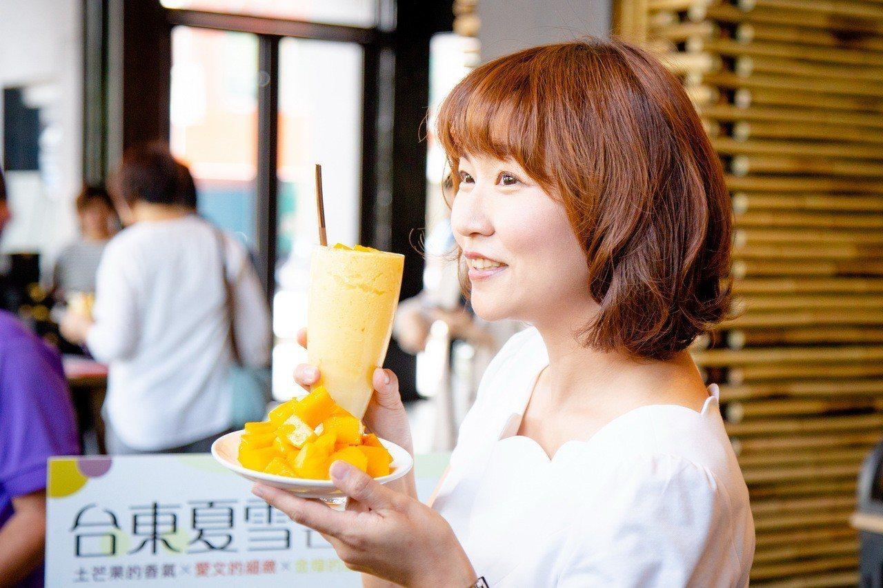 台東GAYA酒店利用夏雪芒果研發芒果冰沙、穆斯蛋糕等甜點。記者羅紹平/攝影