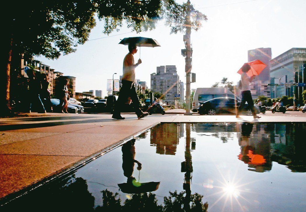 都市發燒引發不少環境併發症,衝擊城市宜居條件。 記者余承翰/攝影