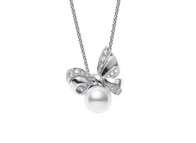 MIKIMOTO M Collection南洋真珠鑽石墜鍊,21萬2,000元。...