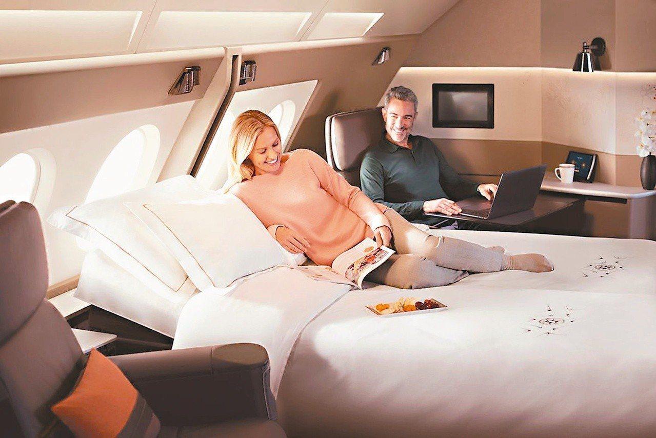 這是在搭飛機、不是住酒店,是新航A380套房「豪奢無極限」的縮影。圖/新加坡航空...