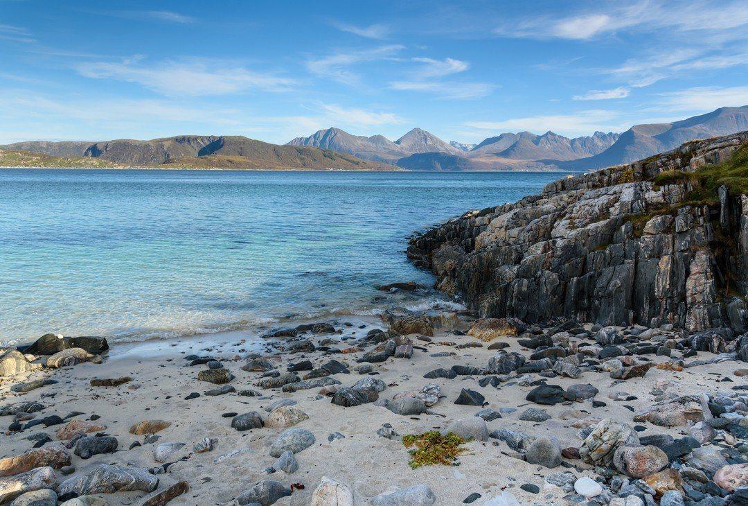 位於北極圈以北的夏日島(Sommaroy)。圖/ingimage