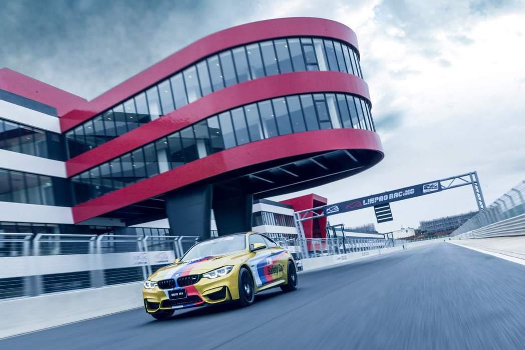 BMW M4 Competition靜止加速至時速100kmh僅需4秒即可完成。...