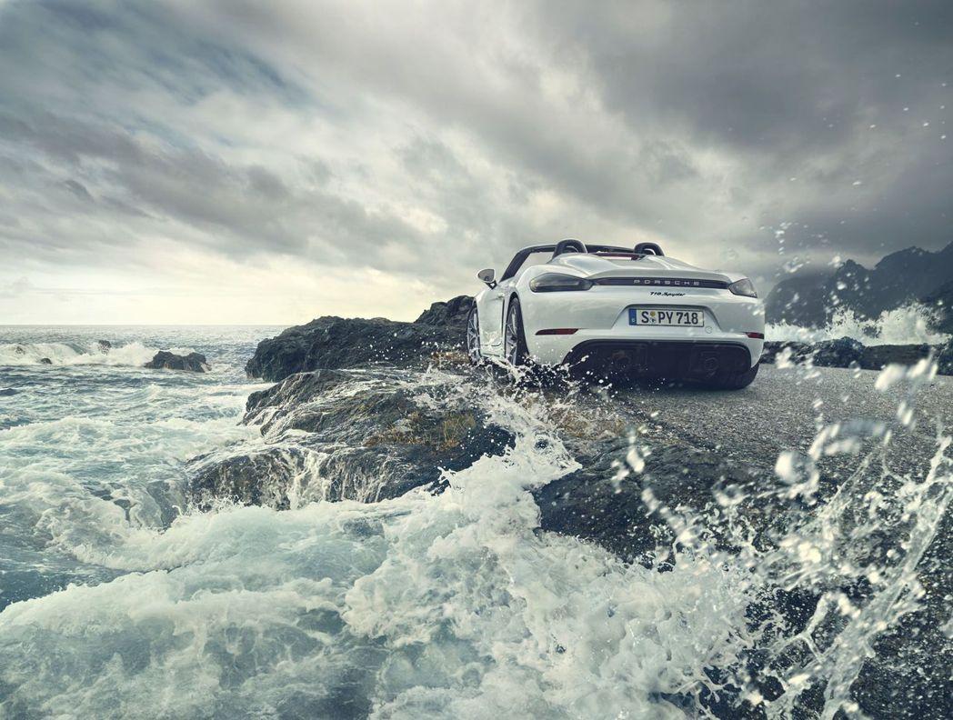 兩款跑車均搭載全新 4.0 升六缸水平對臥引擎。 Porsche Taiwan提...
