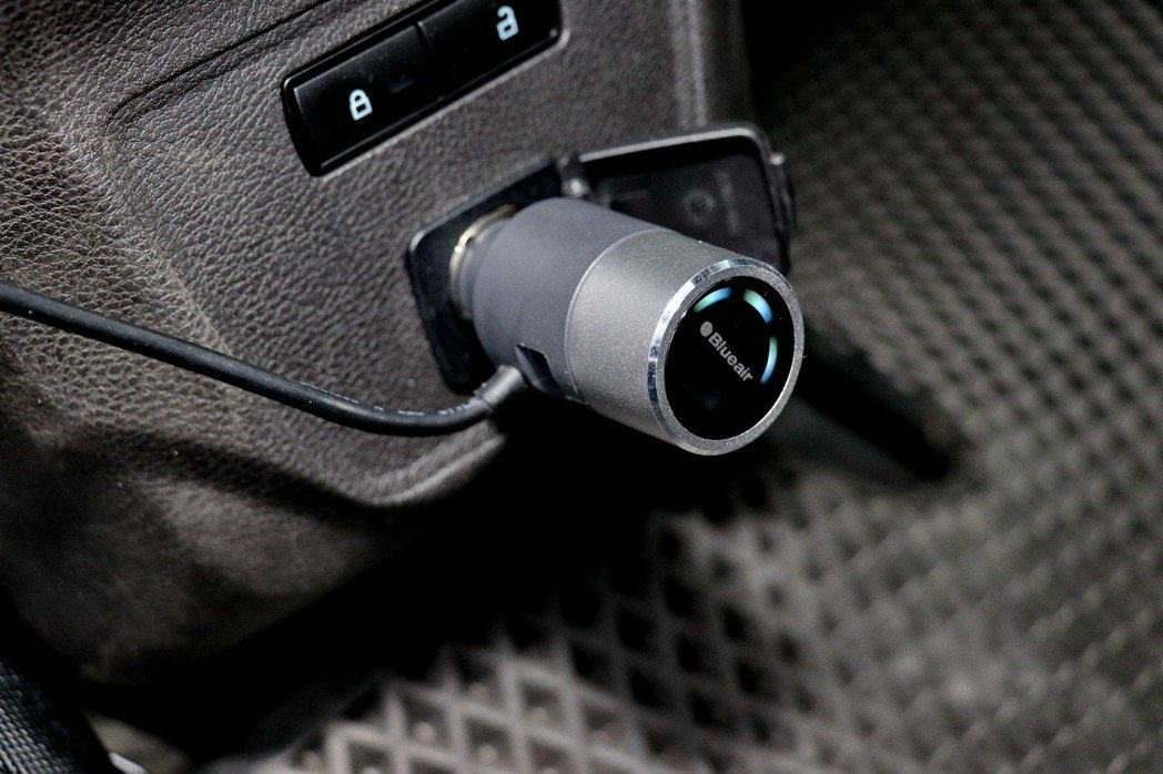 可透過車充接頭的旋鈕可以操控風速。 記者陳威任/攝影