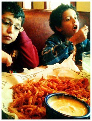 圖說:英國長期追蹤研究指出,孩子肥胖率與家庭健全與否有關。(photo by W...