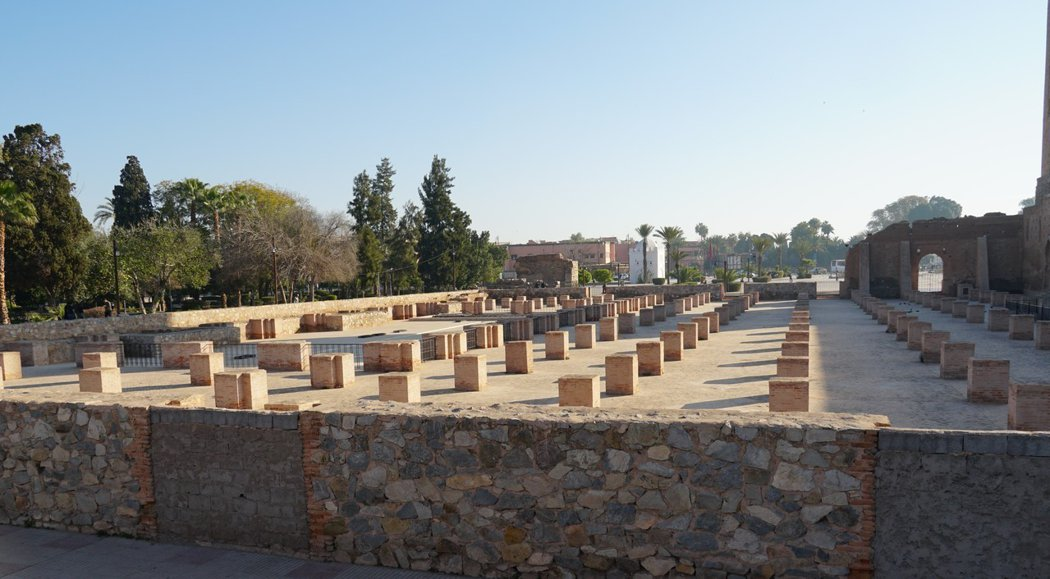 第一座庫圖比亞清真寺廢墟