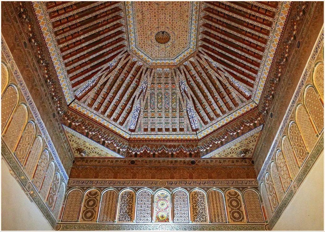 巴伊亞宮殿天花板