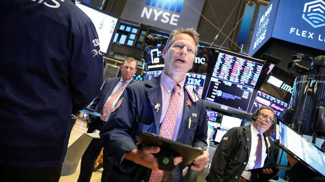 投資人將在周三評估Fed可能降息的線索。 (路透)