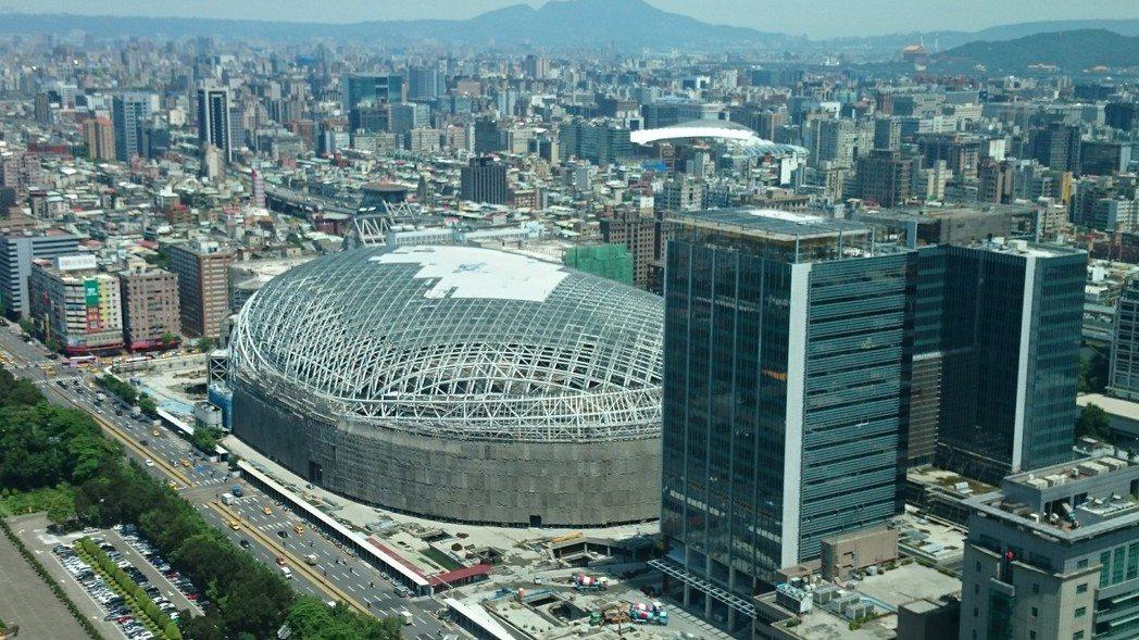 台北市都市設計審議委員會委員本(6)月底任期將屆滿,由於「嚴審派」委員將不續聘,...