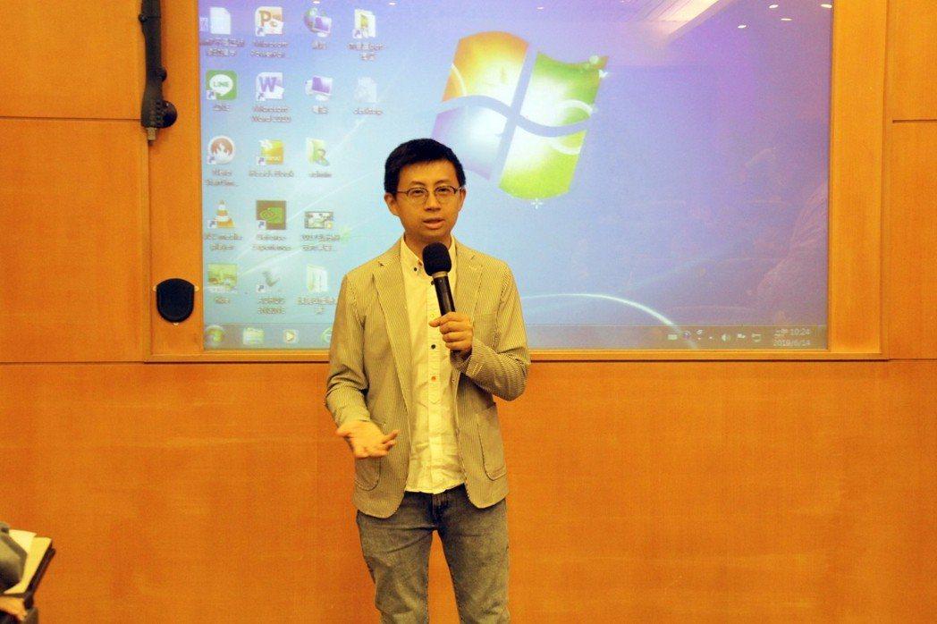 網紅轉民代的「呱吉」到弘光科大演講,對學生說創業要點。記者游振昇/攝影