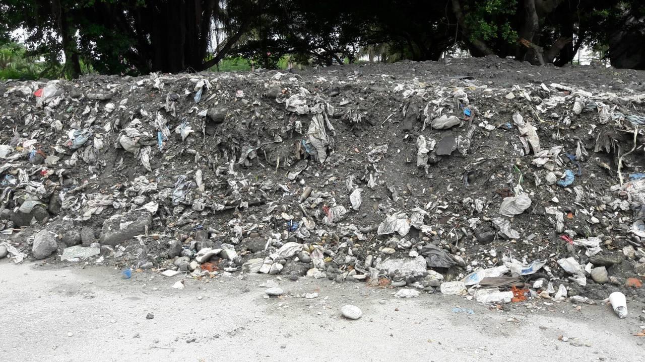 南濱滯洪池工程挖出垃圾廢土 花蓮縣議員憂二次汙染