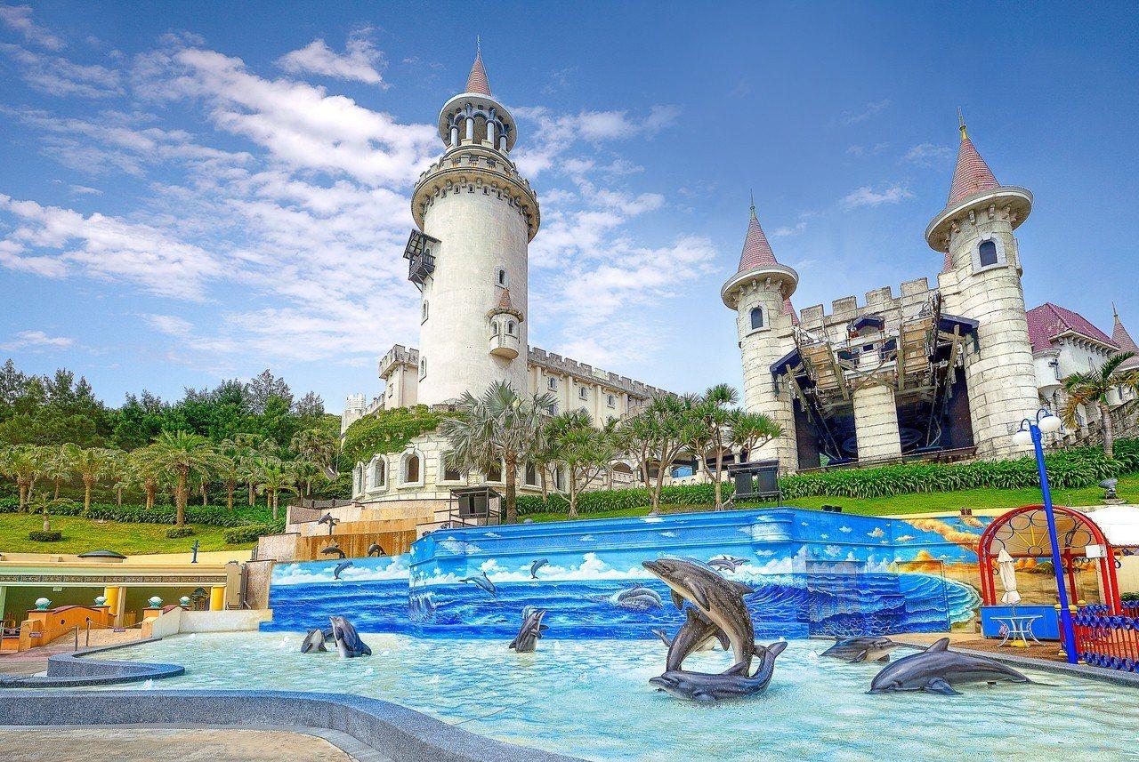 花蓮遠雄海洋公園最新設施「海豚3D戲水池」提前開放。圖/遠雄海洋公園提供