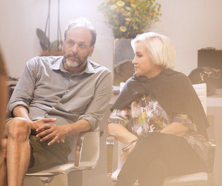 本季客座設計師導演盧卡.格達戈尼諾與創意總監Silvia Venturini F...