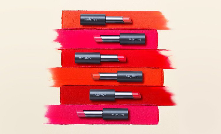 innisfree超服貼絲絨唇膏系列,售價470元,共10色。圖/innisfr...