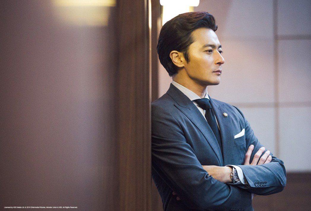 張東健重返電視圈飾演王牌律師。圖/東森戲劇台提供