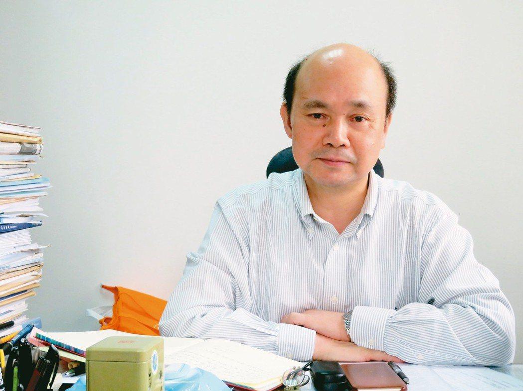 上海社科院研究生院院長朱平芳