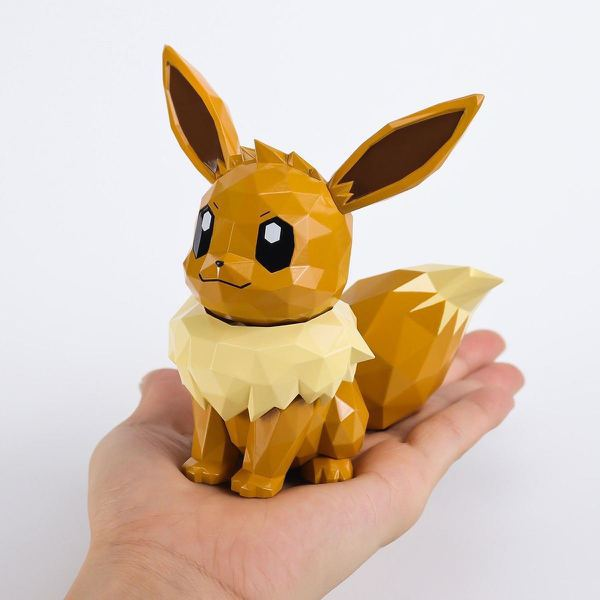 其他款式的寶可夢是迷你尺寸,但伊布是特別款,有13cm高,放在手上剛好。(486...
