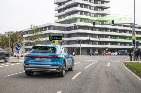 跟塞車說再見 Audi在歐洲啟用交通號誌資訊互聯服務!