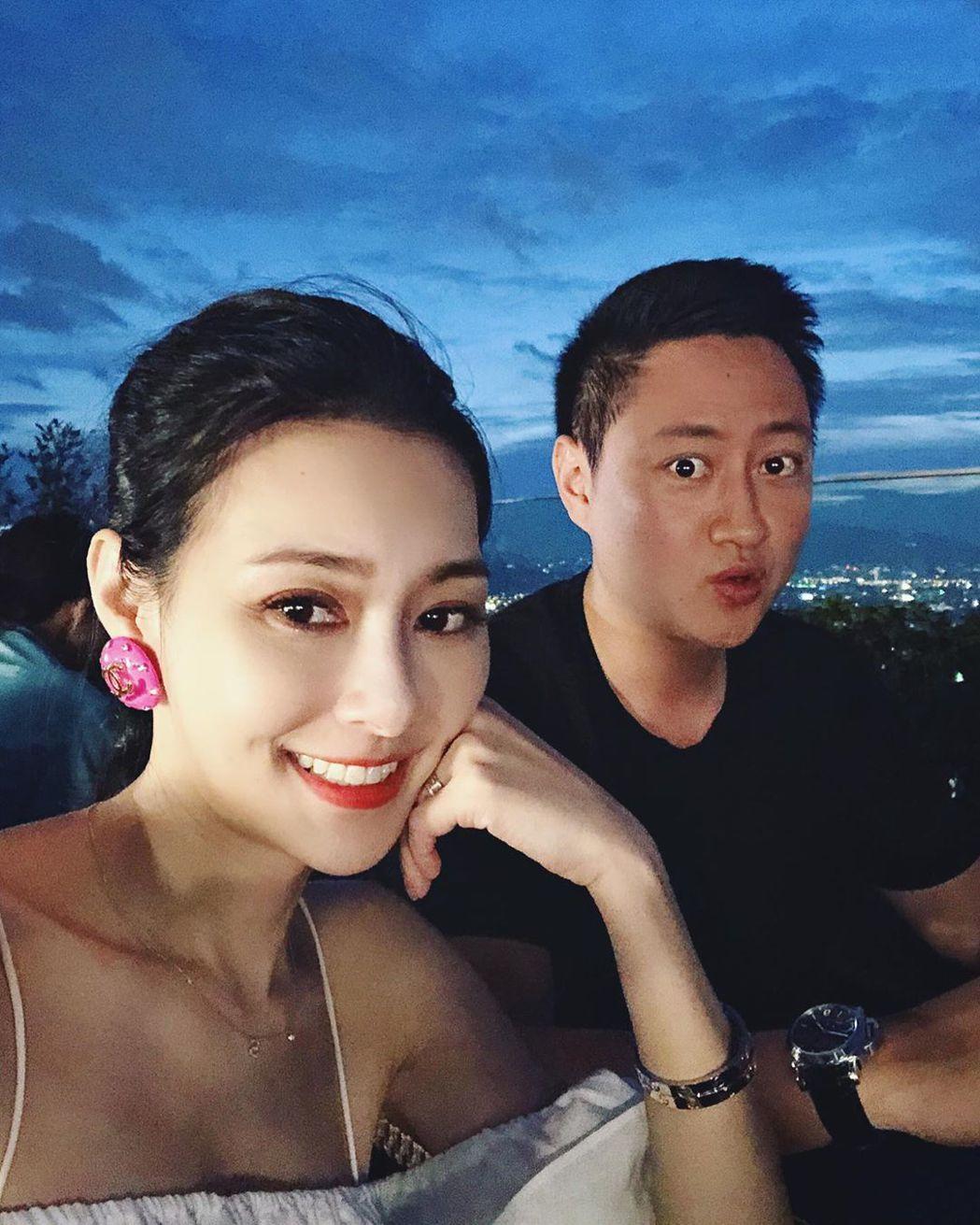 王思佳與老公Joe。圖/擷自IG
