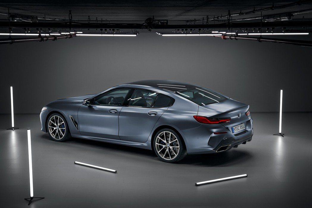 全新BMW 8 Series Gran Coupe (G16)。 摘自BMW