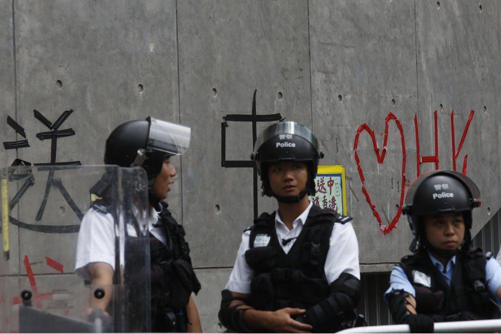 北京想絕對控制香港,卻有必須放香港自由的苦衷。攝影/郭晉瑋