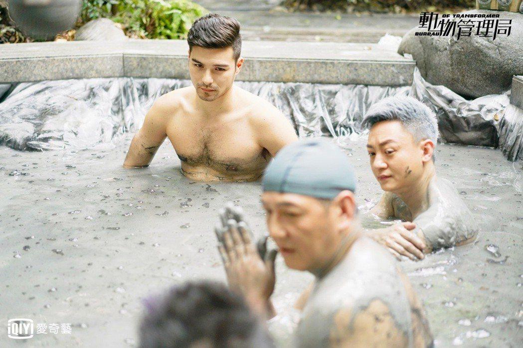 鳳小岳為戲裸身。圖/愛奇藝台灣站提供