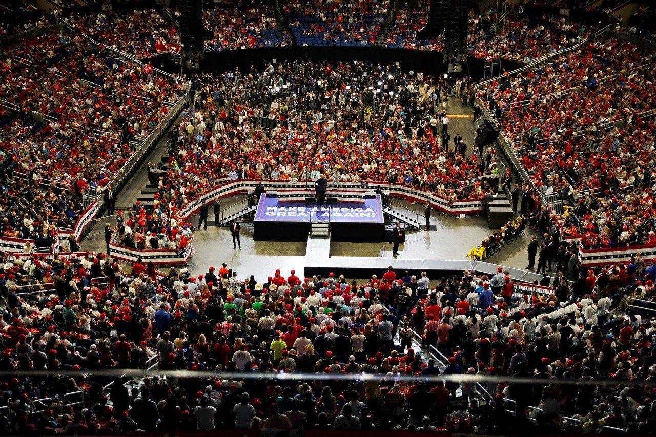 美國總統川普正式宣布競選連任的造勢大會盛況空前。路透