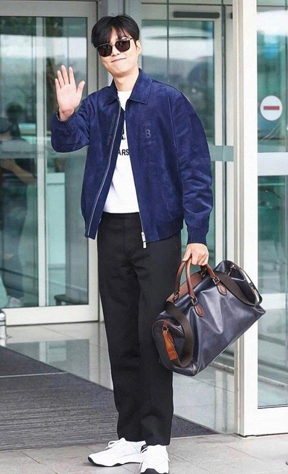 李敏鎬身穿Berluti出發前往巴黎時裝周。圖/取自IG