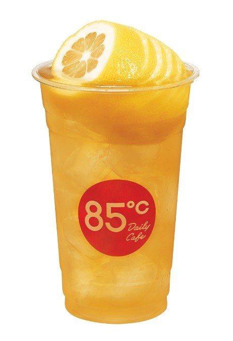 「一顆檸檬」系列炎夏喝了透心涼。圖/85℃提供