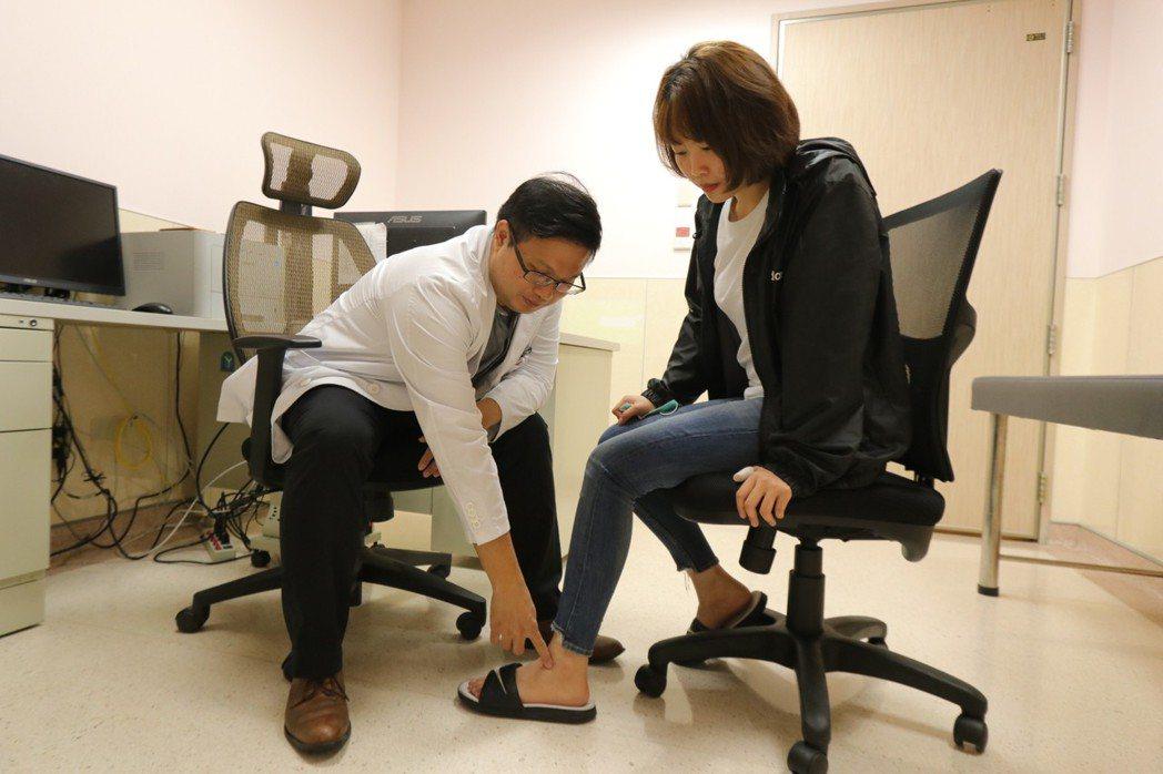 亞洲大學附屬醫院腹膜透析主任林軒任指出,吃西瓜確實有促進水分代謝、改善排尿及水腫...