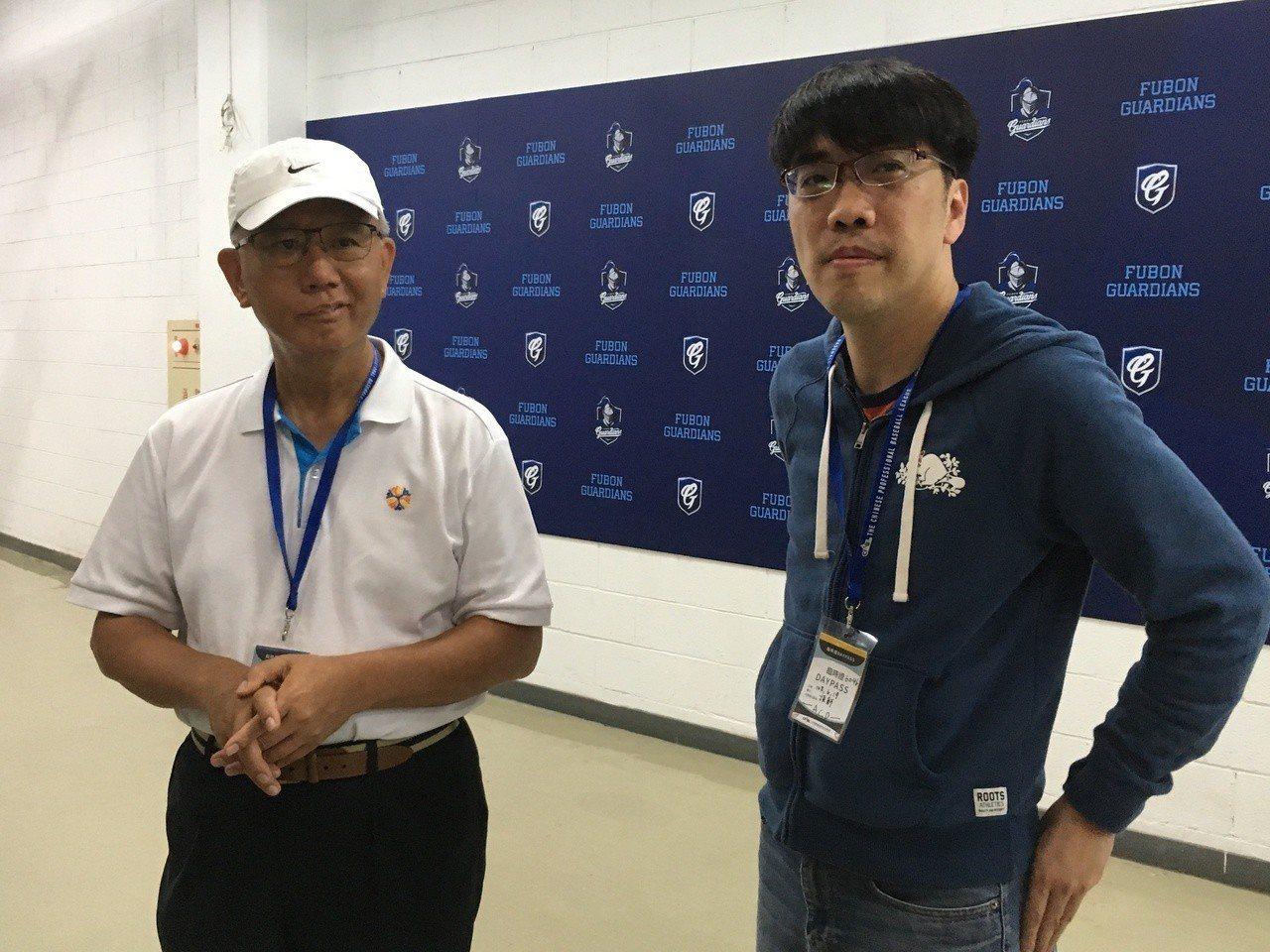 魏應充、吳德威現身新莊棒球場。記者葉姵妤/攝影