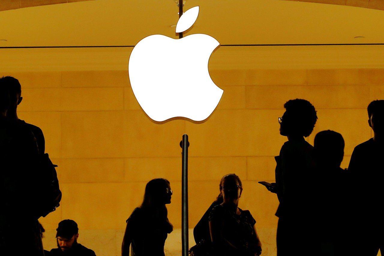 蘋果據傳要求主要供應商評估把15%至30%產能遷出中國的成本影響。(圖/路透)