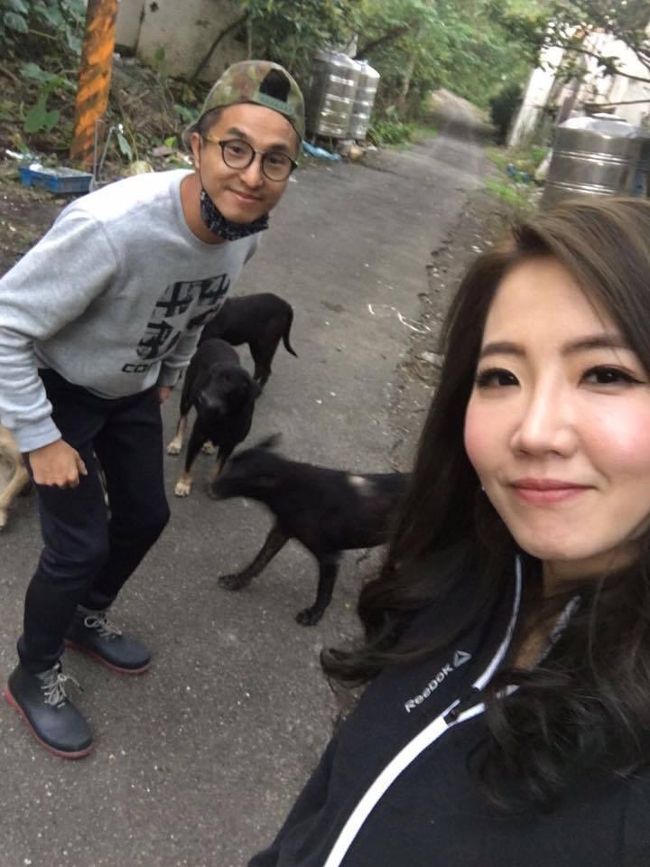 王少偉(左)和謝忻因為動物而結緣成好友。圖/王少偉臉書