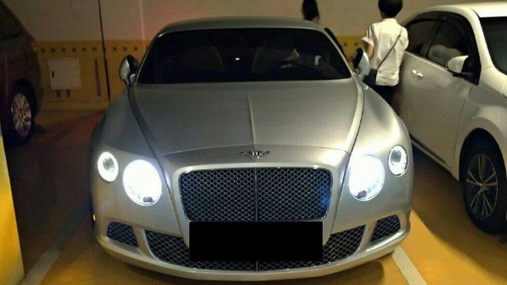 檢調查扣犯嫌的千萬名車。記者陳俊智/翻攝