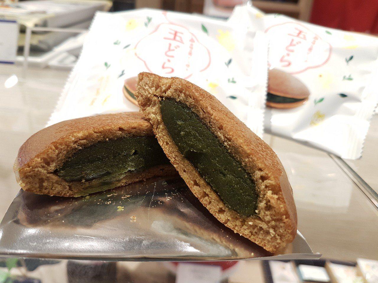1630年創業的千鳥屋是福岡知名的饅頭和菓子店。記者何雅玲╱攝