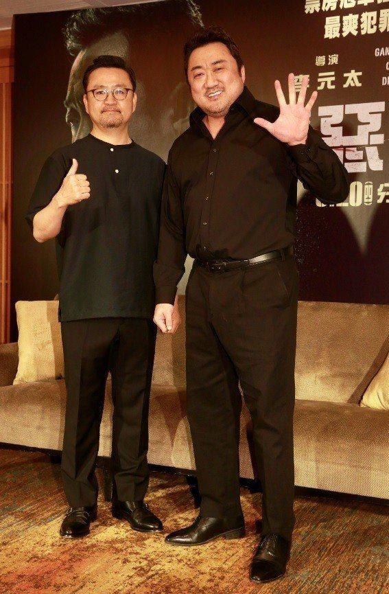 馬東石(右)和導演李元太相識多年,一同來台宣傳新片「極惡對決」。記者黃義書/攝影
