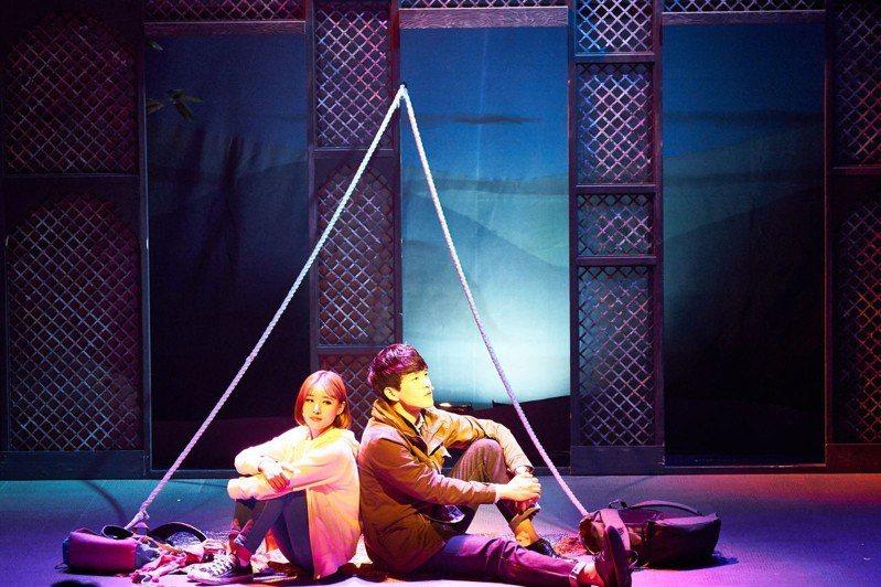 「尋找金鐘旭」三位演員在短短100分鐘內,演出高達24個角色。 圖/聯合數位文創提供