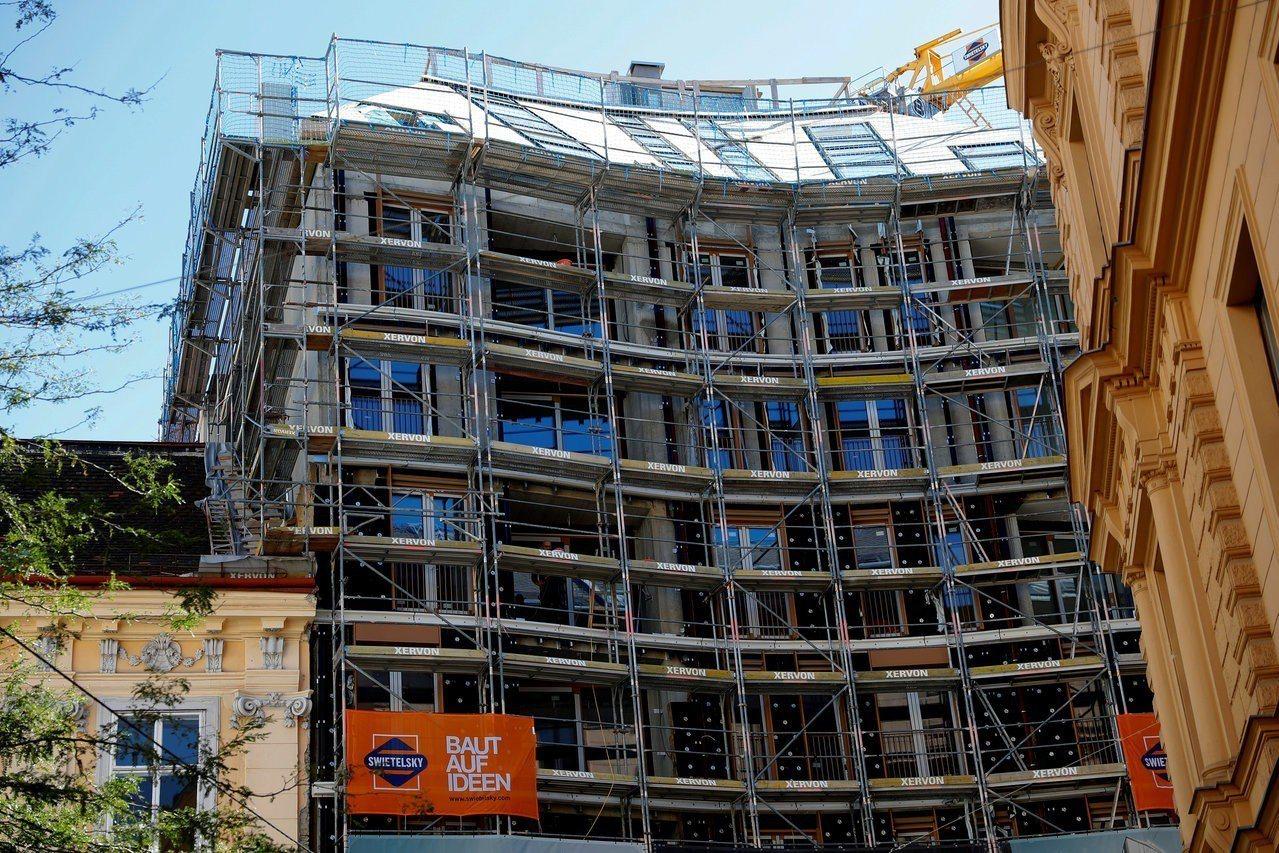 維也納社會住宅資源豐富,圖為維也納一處興建中的公寓大樓。 (路透)