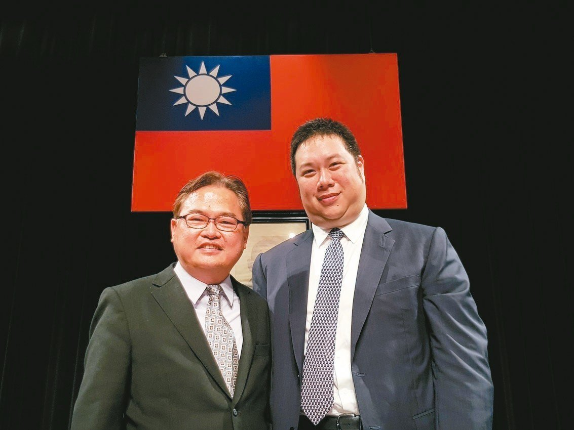 中橡董事長辜公怡(右) 記者曾仁凱/攝影