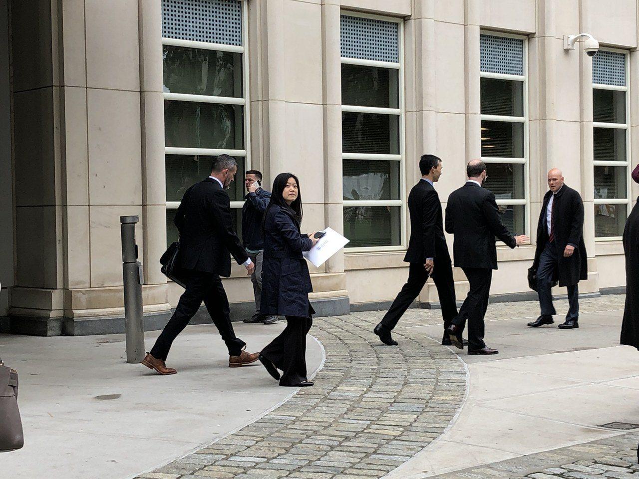 負責華為案的檢方團隊離開法院。 記者顏潔恩/攝影
