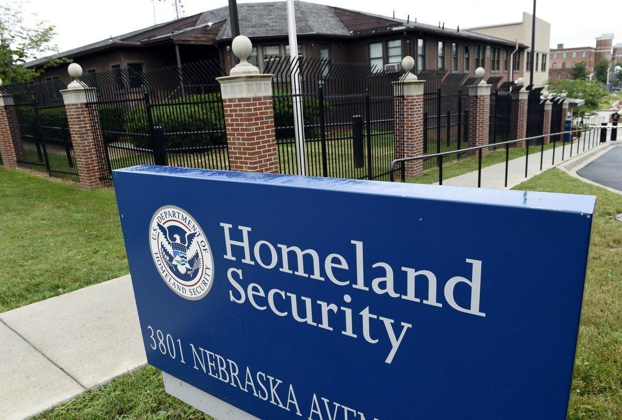 國土安全部ICE將嚴格執行遣返任務。 美聯社