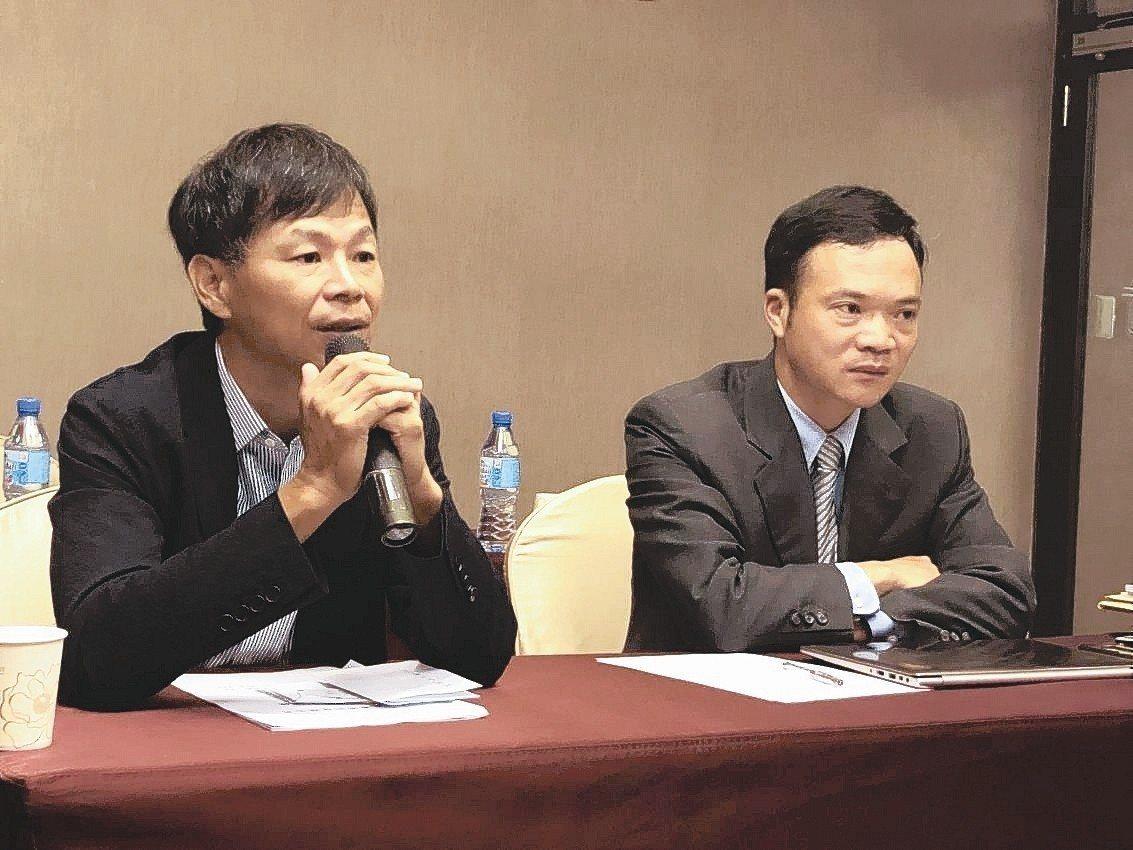 廣明總經理何世池(左)與發言人李志仁。 記者吳凱中/攝影