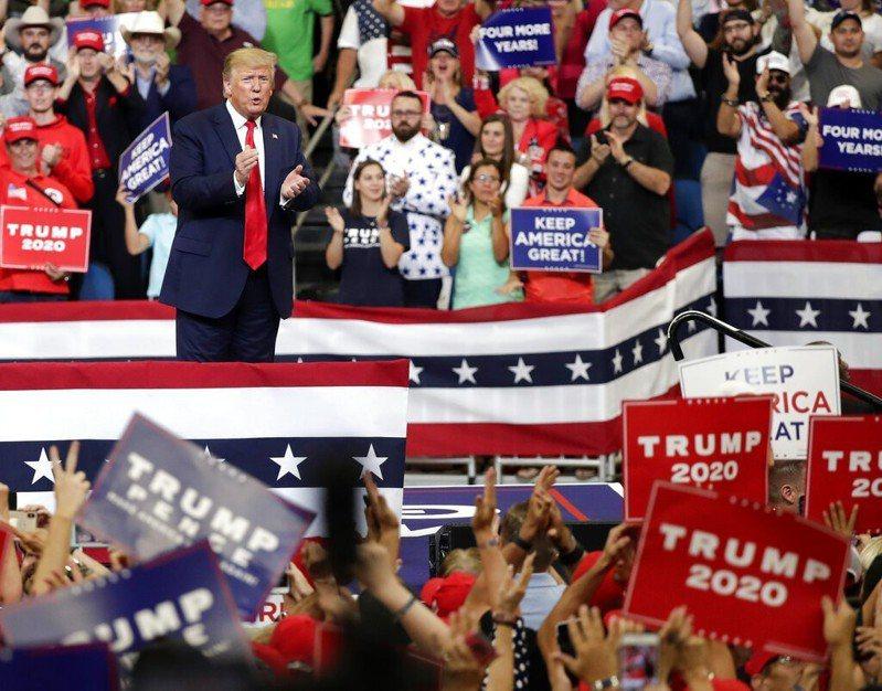 民粹政治領袖風潮席捲全球,川普可說是這股旋風的領頭羊。 美聯社