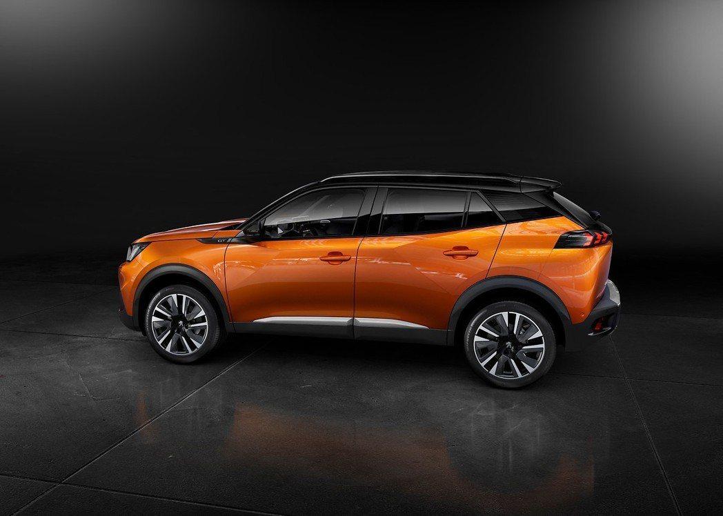 第二代Peugeot 2008擁有與其於歐系車截然不同、獨特的法式美學。 摘自P...