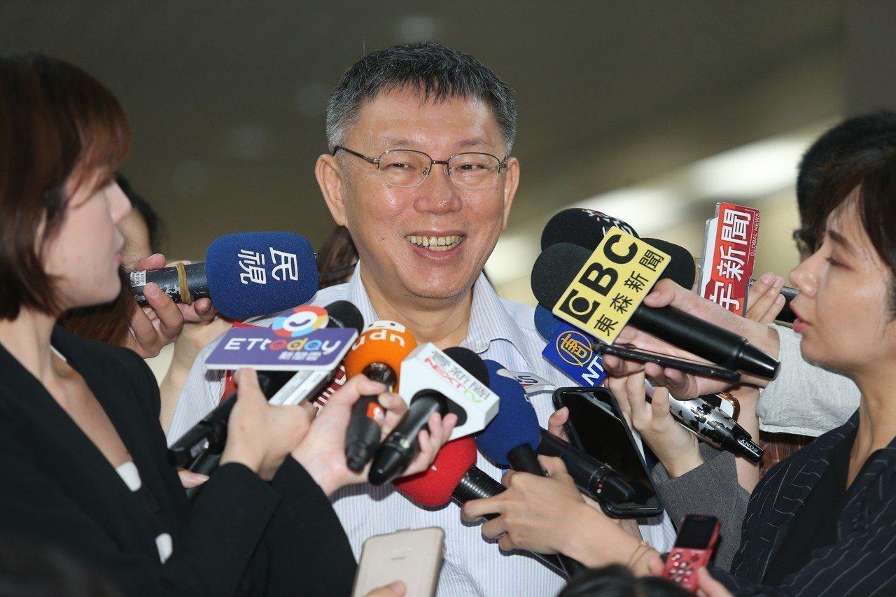 台北市長柯文哲一周內請假3天、連跑5個縣市。記者徐兆玄/攝影