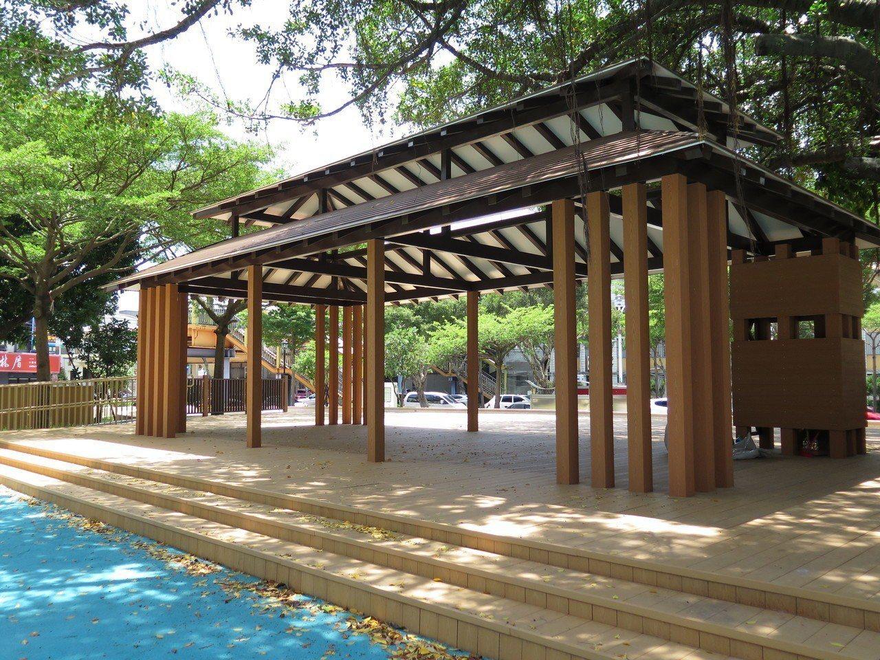 桃園區民族公園歷經多月翻新改建,公園內多了一座日式涼亭。記者張裕珍/攝影