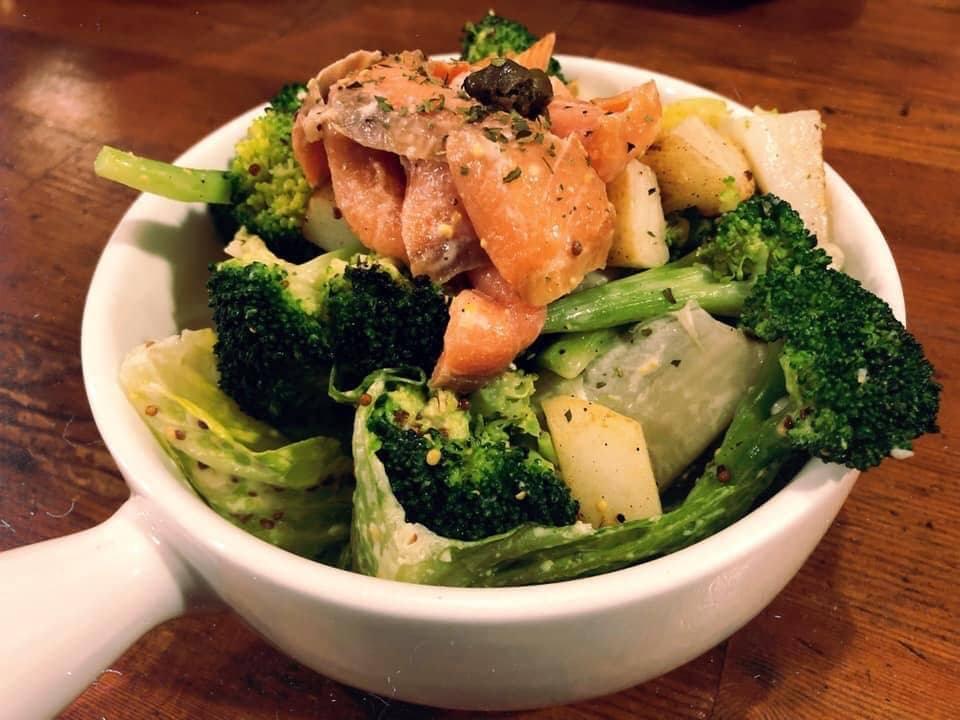 「味旅vojago」有供應簡單美味的鹹食。圖/味旅vojago提供